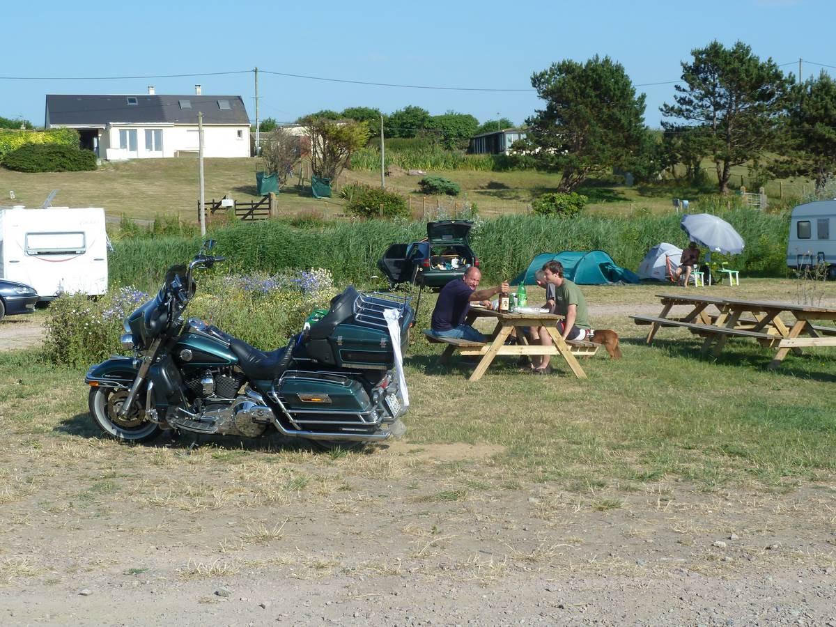 Camping En Normandie La Mer Grandcamp Maisy Plage Du D Barquement Camping La Plage Aire